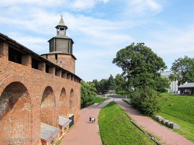 Нижегородский кремль: стена и Часовая башня