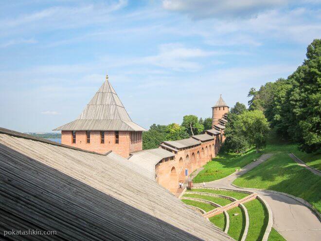 Нижегородский кремль: Ивановская башня и Белая башня