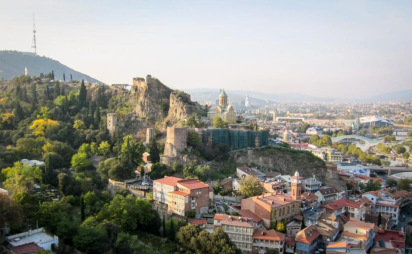 Тбилиси. День 2. Парк Рике, канатная дорога, крепость Нарикала, ботанический сад, монастырь Табори