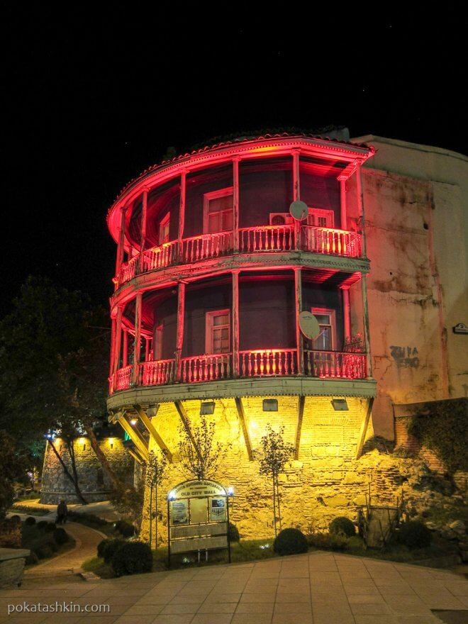 Круговой балкон