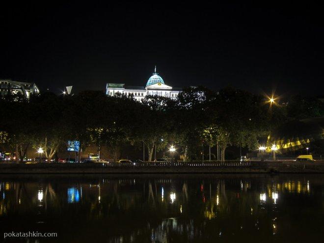Подсветка Президентского двореца