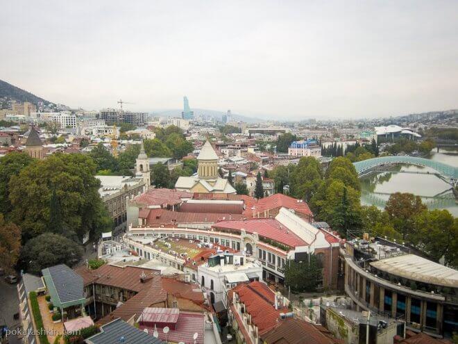 Вид на Тбилиси с канатной дороги