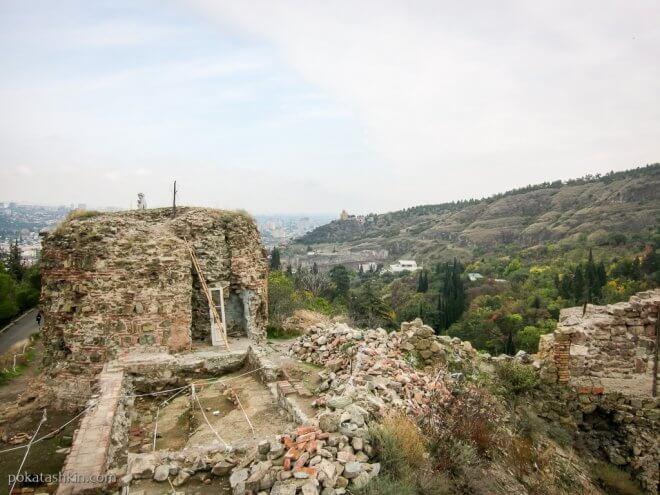 Археологические раскопки на холме Сололаки