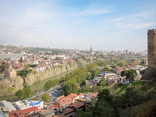 Тбилиси со стороны крепости Нарикала