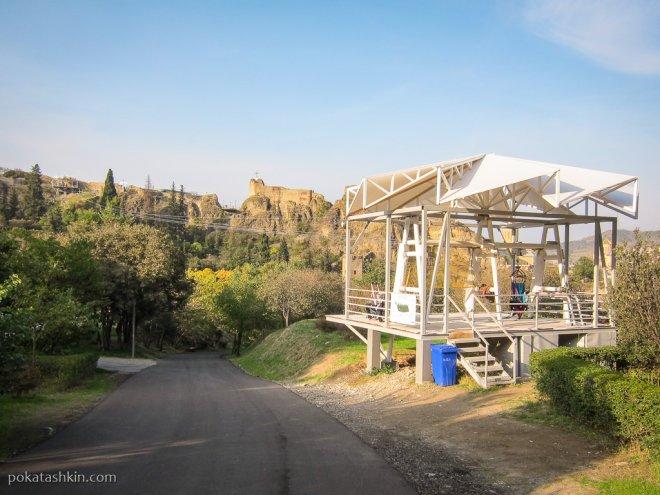 Спуск по тросу в тбилисский ботанический сад