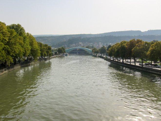 Река Кура (Мтквари) и мост Мира