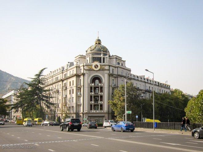 Улица Николая Бараташвили