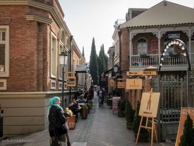 Кафе на улице Шавтени
