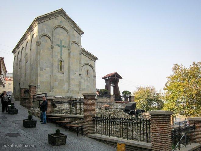 Мужской монастырь и археологический музей