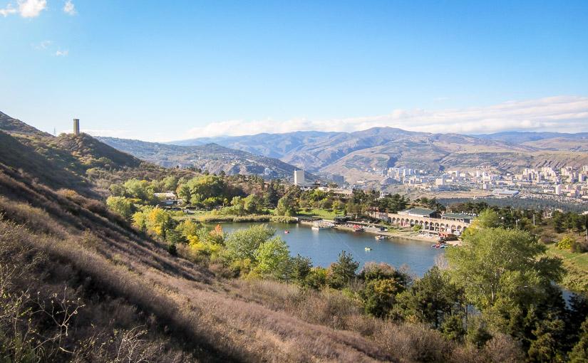 Тбилиси. День 5. Парк Ваке, канатная дорога, Черепашье озеро, прогулка по горам, железнодорожный вокзал