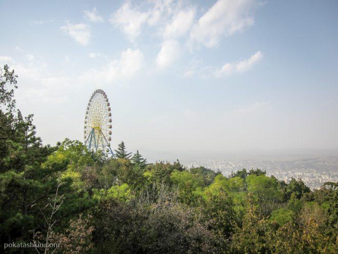 Парк Мтацминда: колесо обозрения