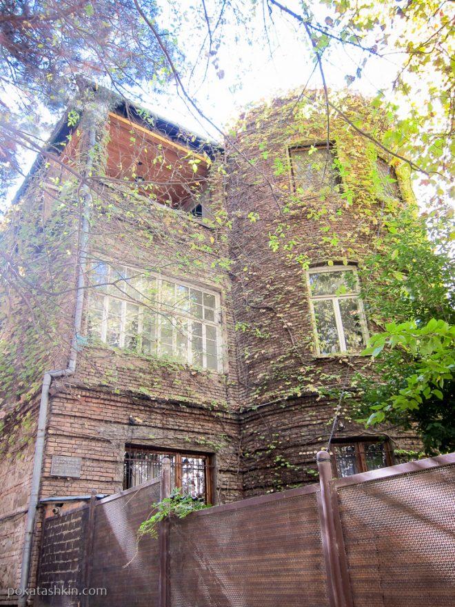 Старый дом на Абашидзе, Тбилиси