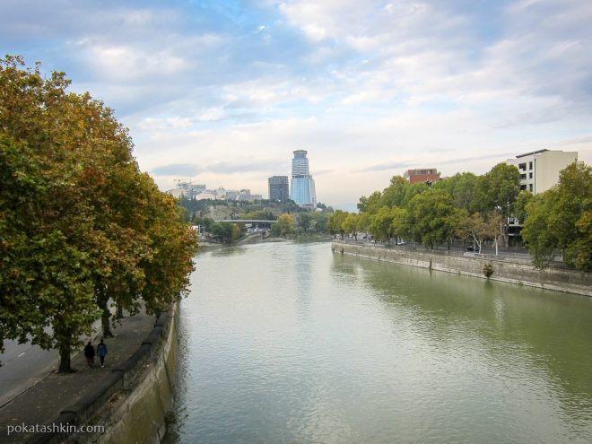 Река Кура. Она же Мтквари, она же Кюр. Тбилиси.