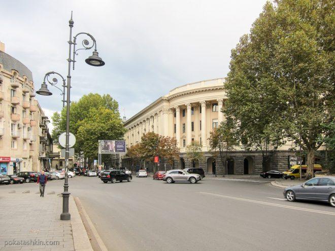 Старые здания в Тбилиси