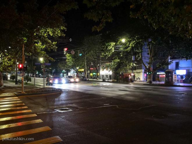 Ночной просп. Месропа Машотца (Ереван)