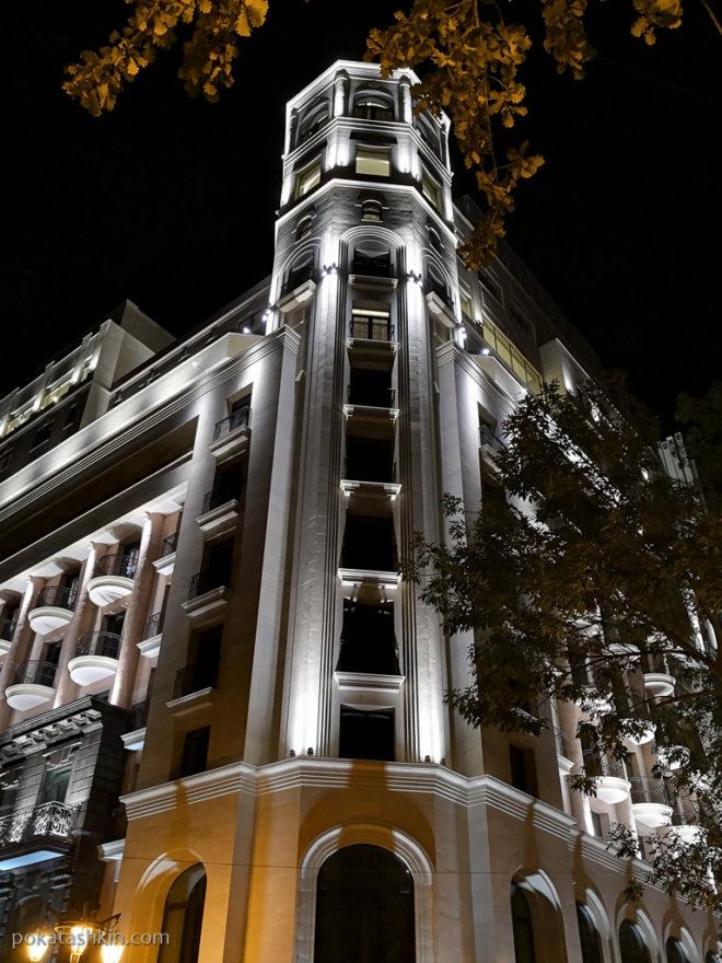 Подсветка зданий в Ереване