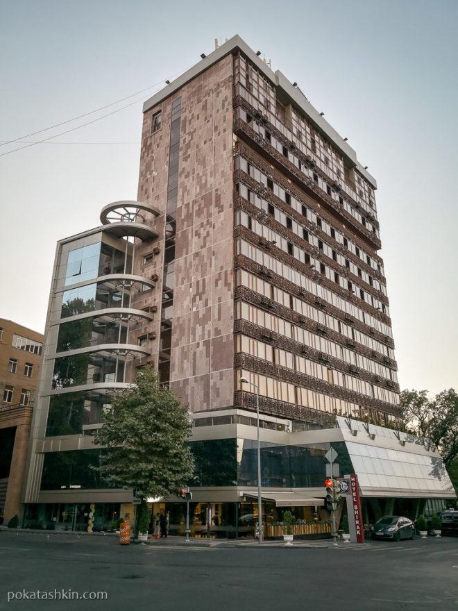 Розовый туф в архитектуре Еревана