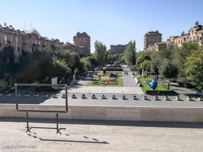 """Обзорная площадка, вид на Ереван с """"Каскада"""""""