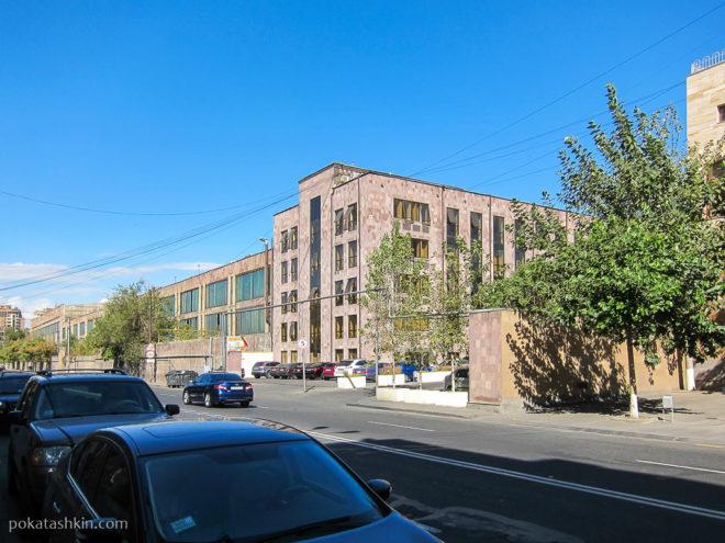 Ереванского автомобильного завода (ЕрАЗ)