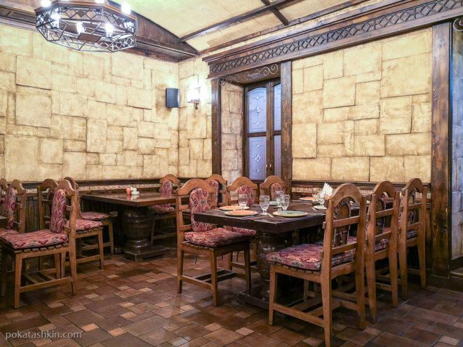 Интерьер ресторана «Таверна Ереван», ул. Амиряна, 5 (Ереван)