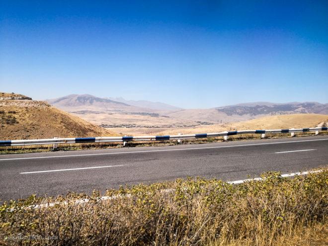 Пейзажи на трассе Ереван-Дилижан